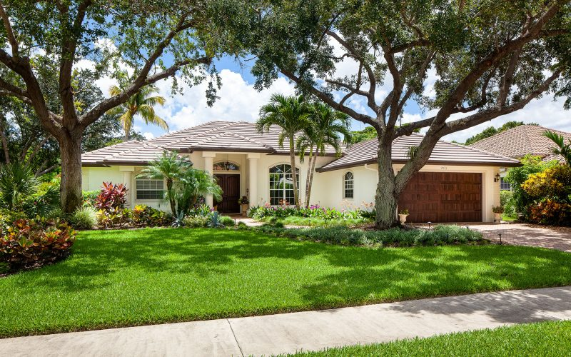 Home with Professional Landscaping | The Community Association for Mill Run, Collier County, Inc.